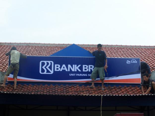 pemasangan iklan billboard dan videotron